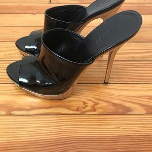 Gucci black paten leather mule size 37.5
